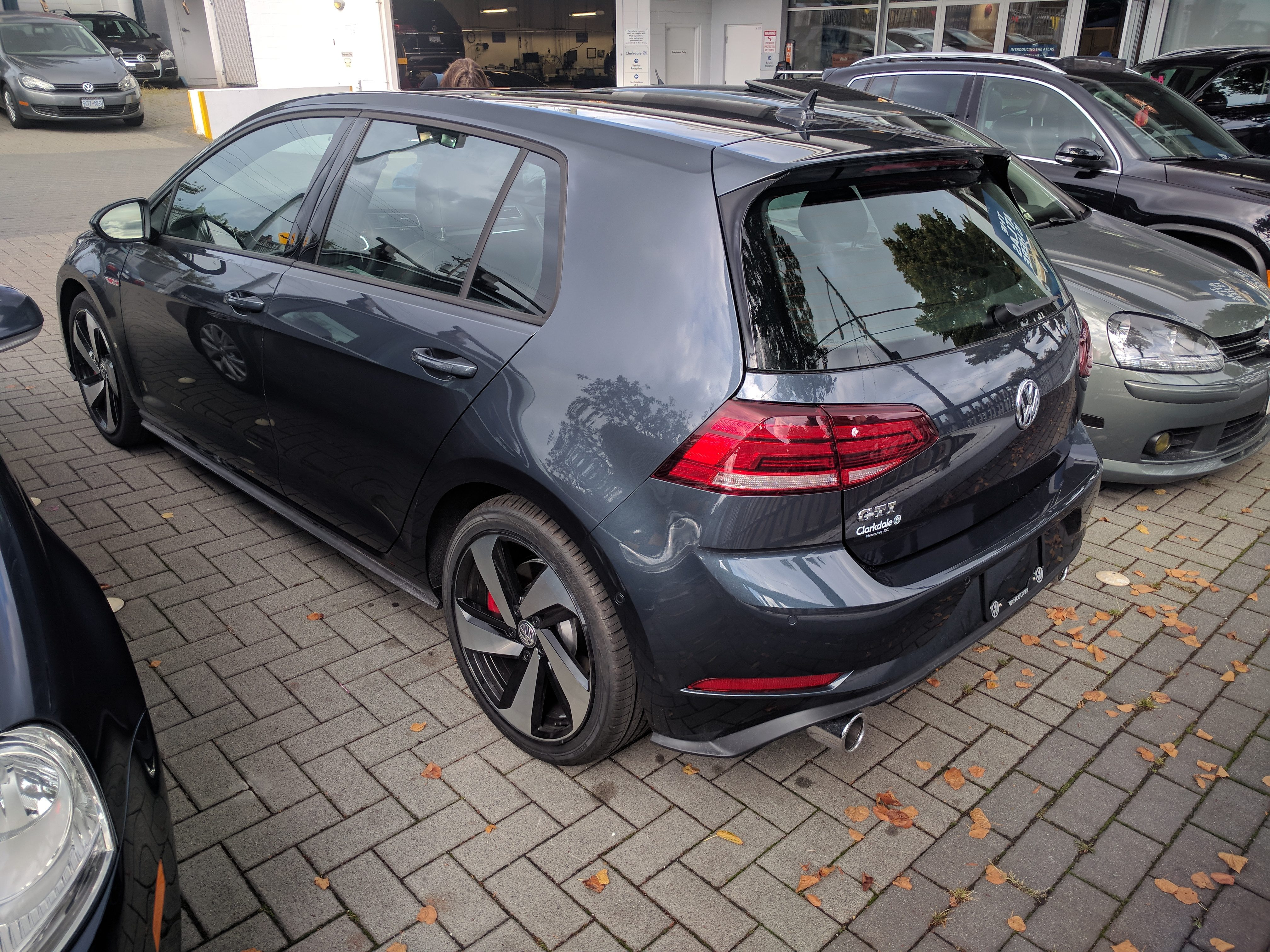 here are pics of the new mk7 golf gti. Black Bedroom Furniture Sets. Home Design Ideas